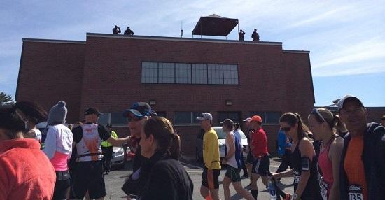 04 security boston-marathon-2014-photos-14