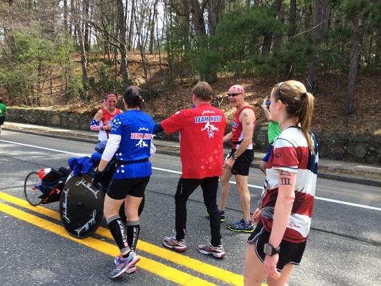 07 team hoyt boston-marathon-2014-photos-33